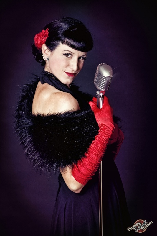 Bettie Berlin - Burlesque Trainerin der Burlesque Academy München